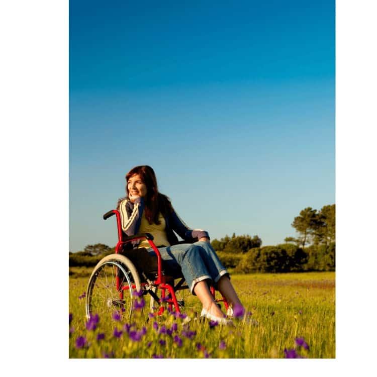 women_in_wheelchair_on_vocation.jpeg
