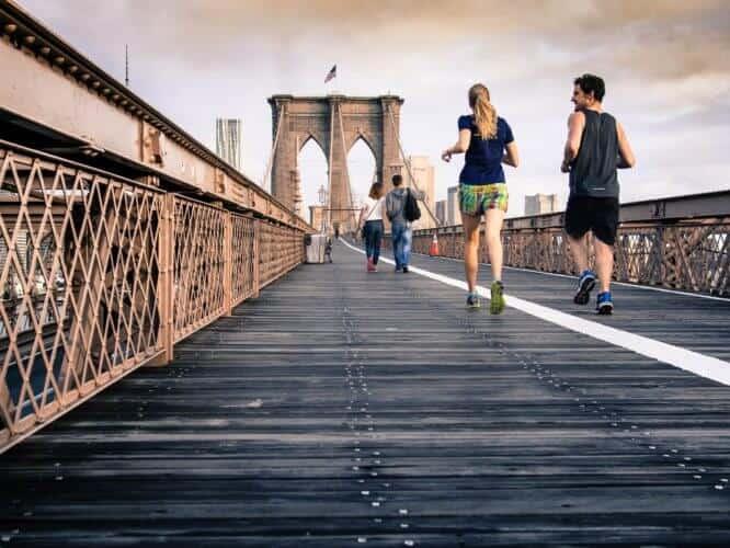 people_jogging.png