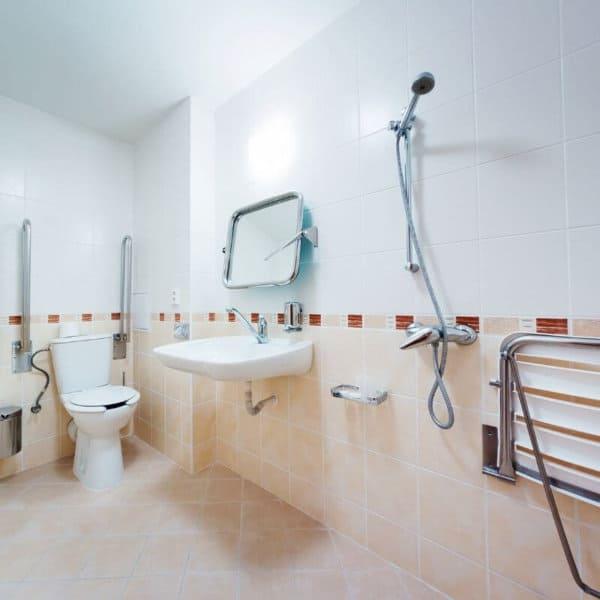 big_bathroom_with_safety_aids.jpeg