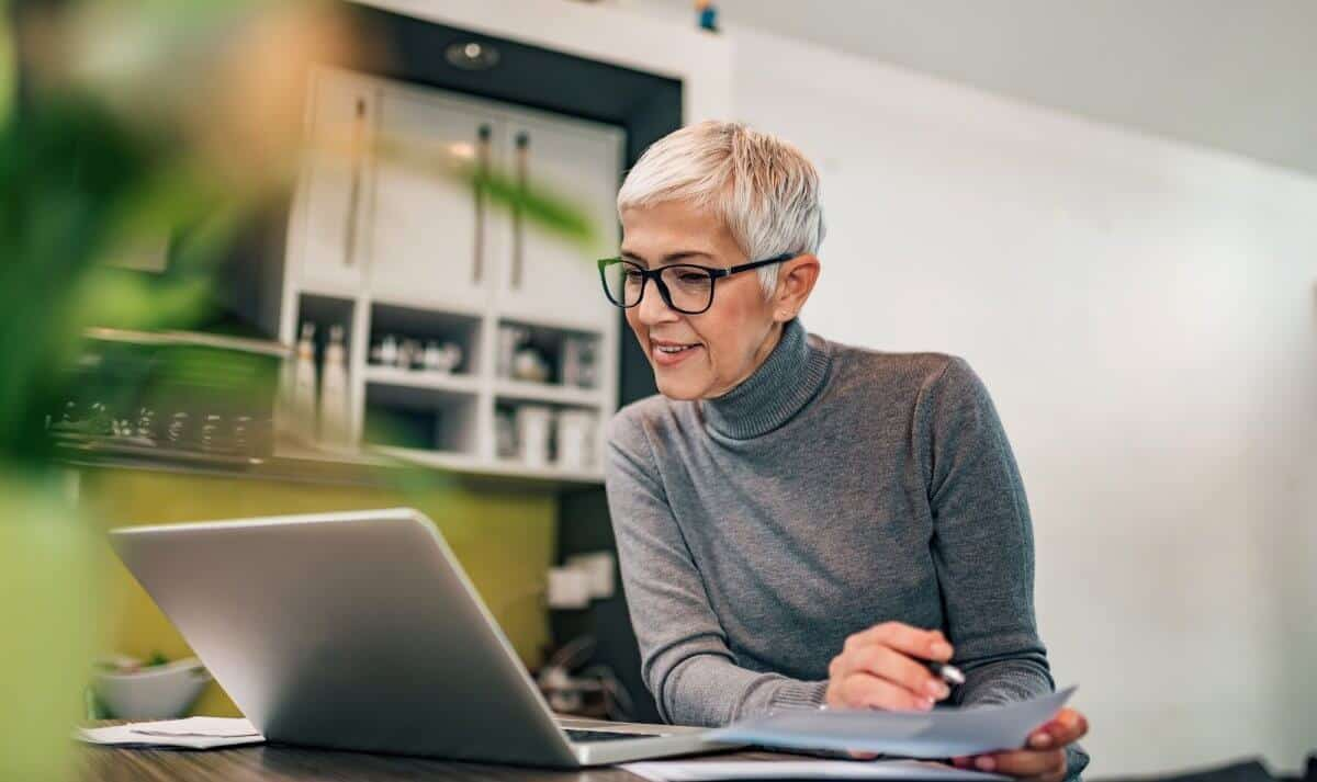 We researched on the best laptops for seniors on the market. Big screens, portability, backlit keyboards – it has never been easier to ...