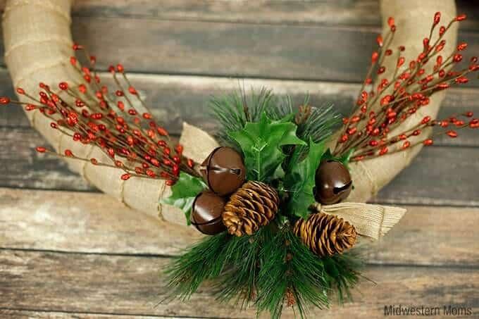 DIY christmas wreath craft