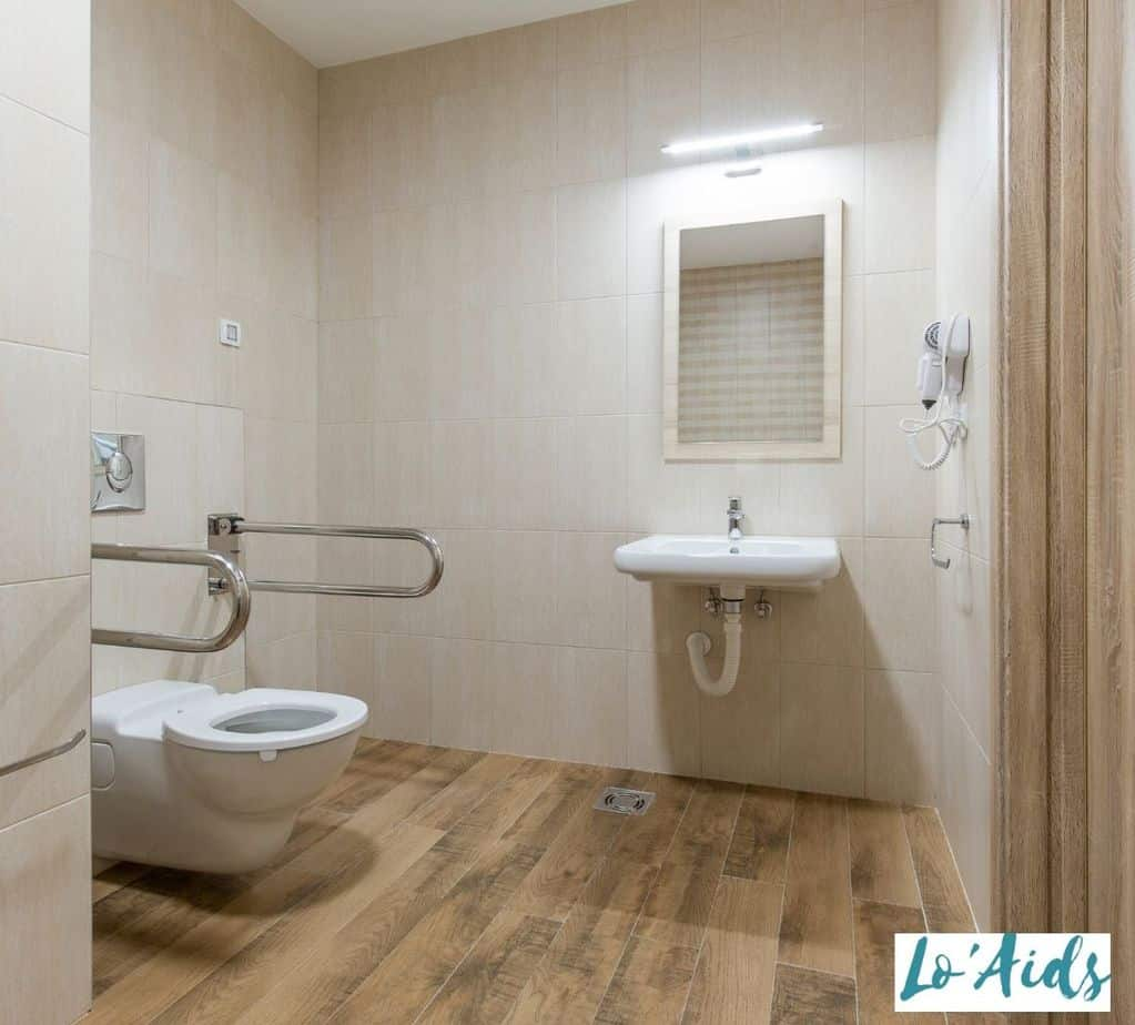 a neat and clean wheelchair accessible bathroom